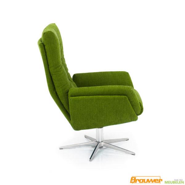 groene stoel op draaipoot RVS
