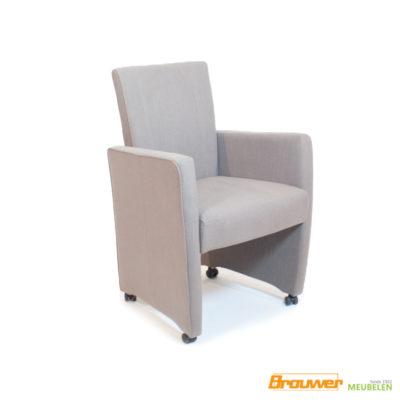 stoel met verstelbare rug