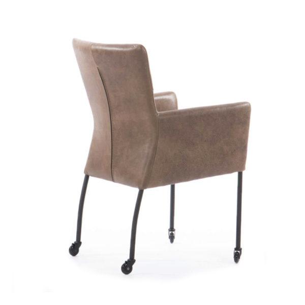 stoel-op-skatewielen