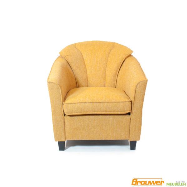 kleine-fauteuil-geel-dik-rugkussen-los-zitkussen