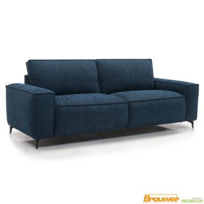 bank met brede armleuning blauw